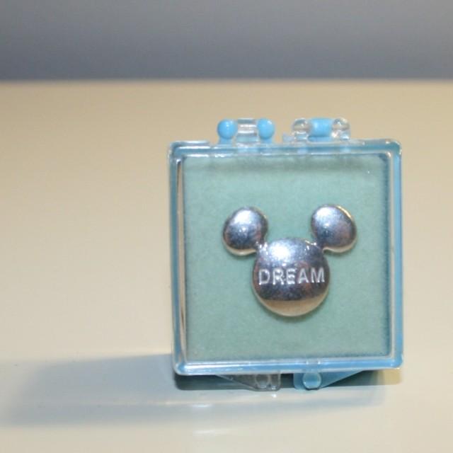 Dream Pin 001