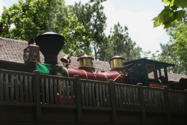 Train at Frontierland Station